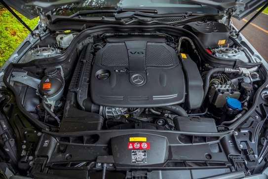 Mercedes-Benz E300 image 12