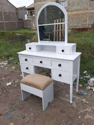 Classic customized dressing tables image 7