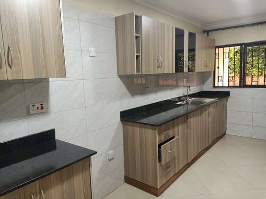 3 bedroom townhouse for rent in Old Muthaiga image 3
