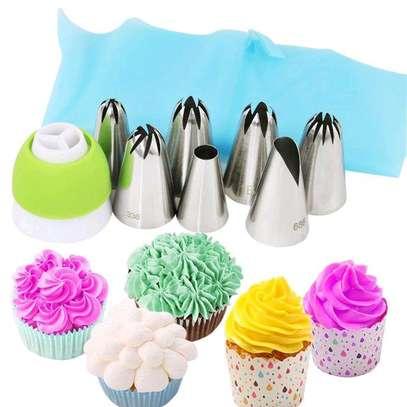 Cake decorating 6/7 option icing set + reusable piping bag image 3