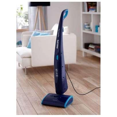 Philips AquaTrion Pro Vacuum Cleaner FC7088 image 3