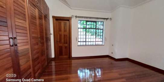 4 bedroom townhouse for rent in Spring Valley image 17