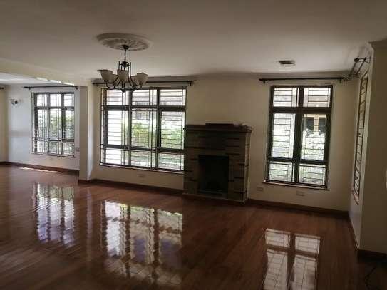 5 bedroom villa for rent in Lavington image 7