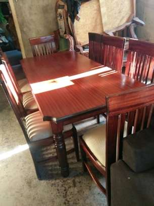 8-seater dining table set