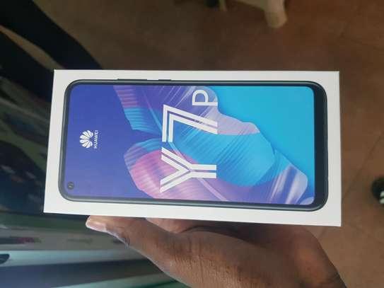 Huawei Y7p 64GB image 3