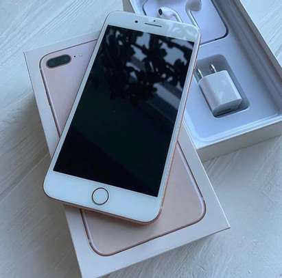 Iphone 8 plus *Gold* *256gb* image 2