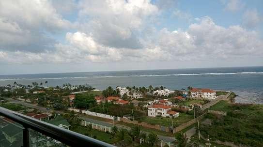 Luxurious sea view apartments to rent at nyali Mombasa Kenya image 2