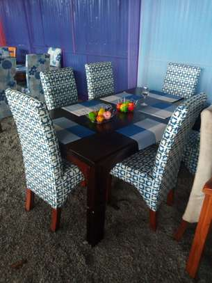 Modern 6 Seater Dinning Table