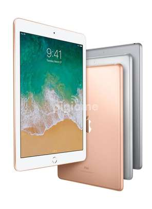 iPad 6th gen 128gb WiFi only image 2
