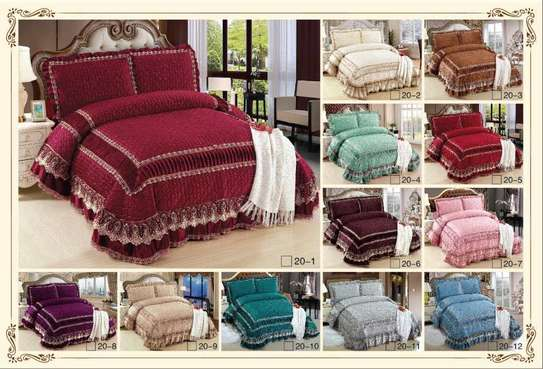 Bed cover and two pillows set-6x6 image 1