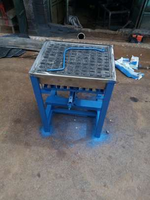 INSECTICIDE CHALK MAKING MACHINE image 2