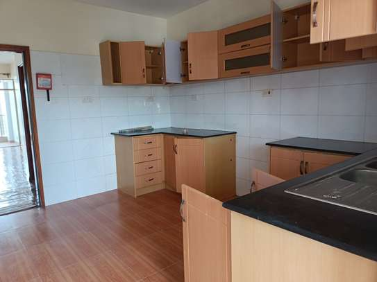 3 bedroom apartment for rent in Riara Road image 12
