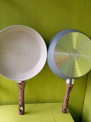 Quality granite fry pans, 28 CM. image 2