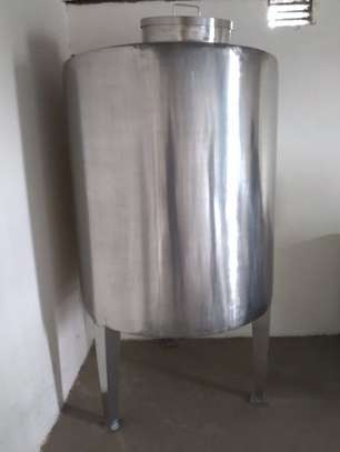 Stainless steel water tank image 1