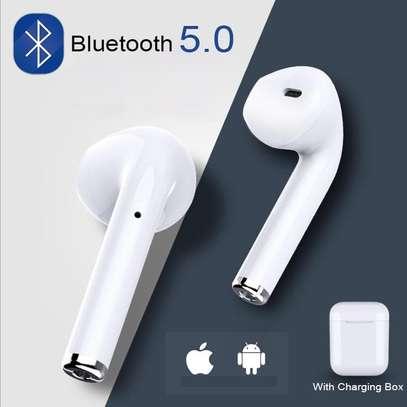 i7 wireless music earphones image 1