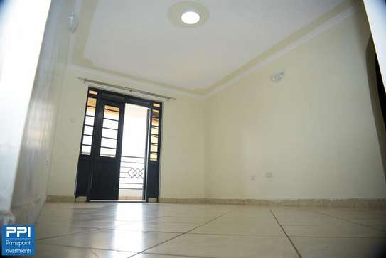 Executive 2 Bedroom Apartment To Let in Ruaka At 33K image 5