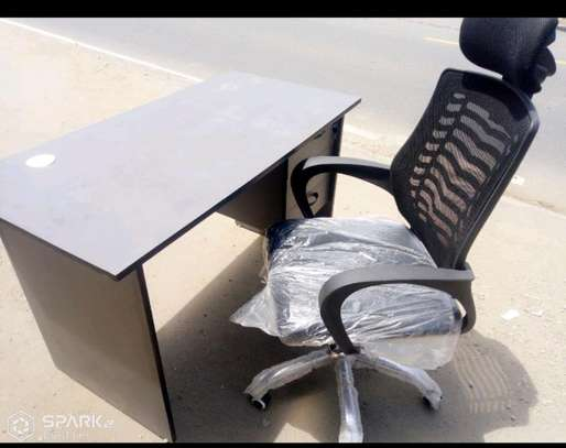 Office desk with headrestchair image 1