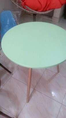 Round aemes table image 1