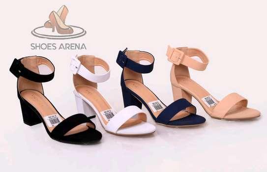 Fashionable low heels image 1