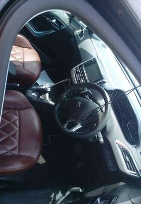 Peugeot 208 E-HDI image 4