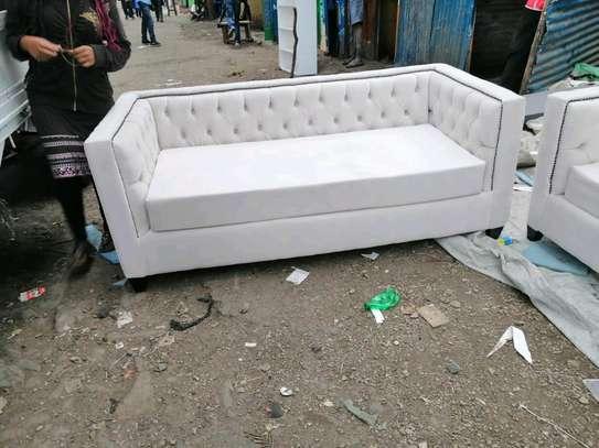 Chesterfield sofa set image 3