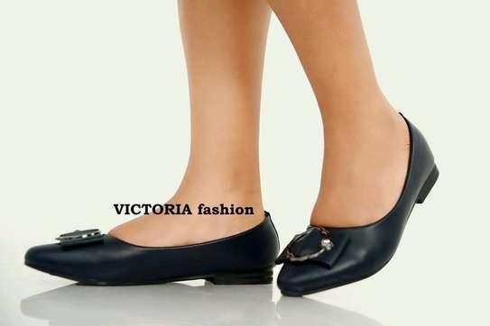 flat shoes image 4