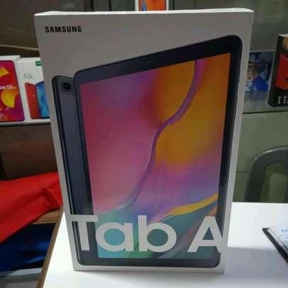 Samsung Tablet 10.1 inch 32gb 2gb ram in shop image 1