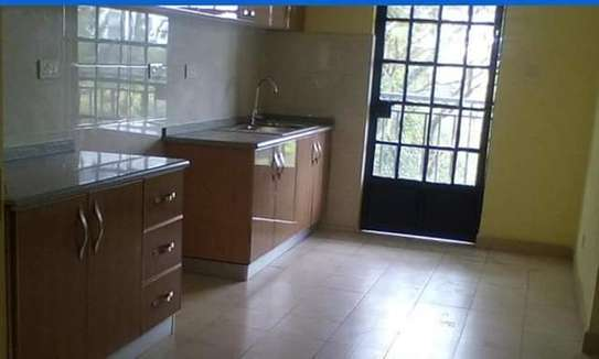 beautiful 2br apartment to let in kileleshwa for 70k on mandera road image 2