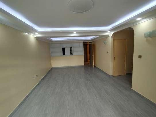 newly refurbished 4  bedroom maisonette plus sq image 10