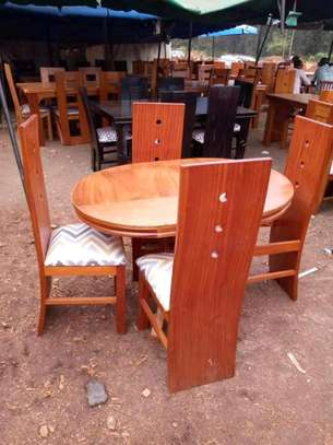 4seater oval dining table