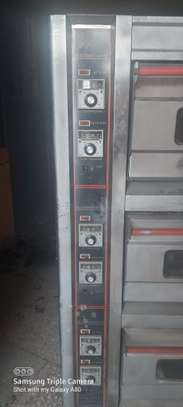 Tripple Deck oven image 6