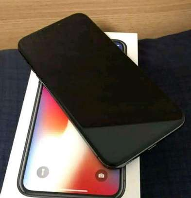Apple Iphone X Silver Black || 256 Gigabytes || In Mint Condition image 2