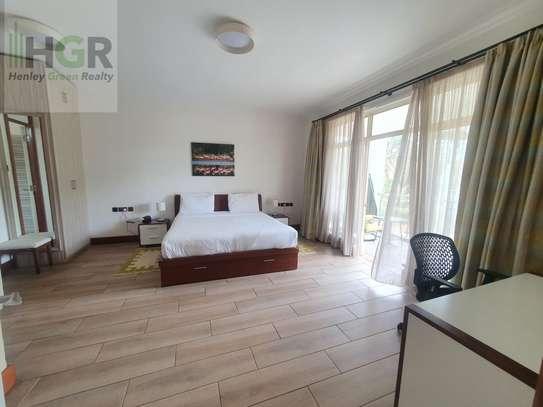 Furnished 2 bedroom apartment for rent in Riverside image 11