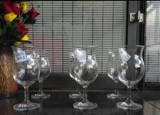 A set of 6 shapely wine glass image 1