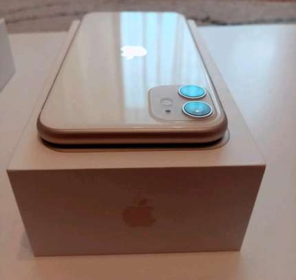Apple Iphone 11 256 Gigabytes & Airpods image 3