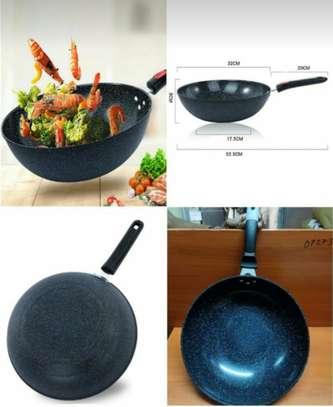 32cm deep frying pan.. image 1