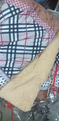 Woolen duvet - Mitumba image 3