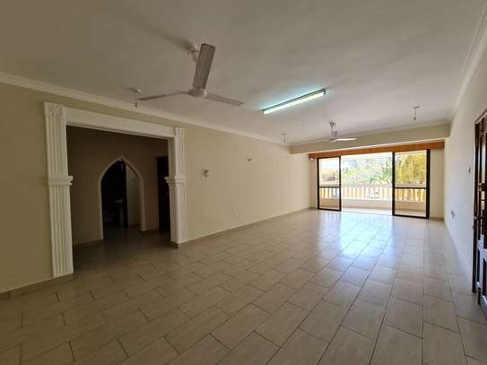 3 bedroom apartment for rent in Nyali Area image 3