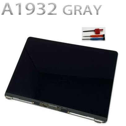 Apple Macbook Air/Pro  Screens Replacement image 10
