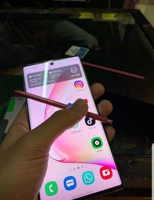 Samsung Note 10 image 2