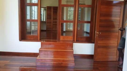 4 bedroom townhouse for rent in Kitisuru image 7