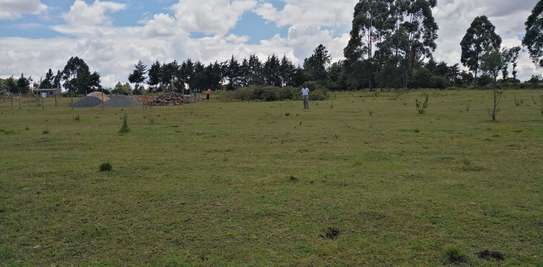 1/4 Acre plots for sale at Eldoret, Kipkenyo in a Gated community.  10 min drive from town!!