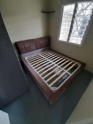 Kingsize Bed 7x6 image 1
