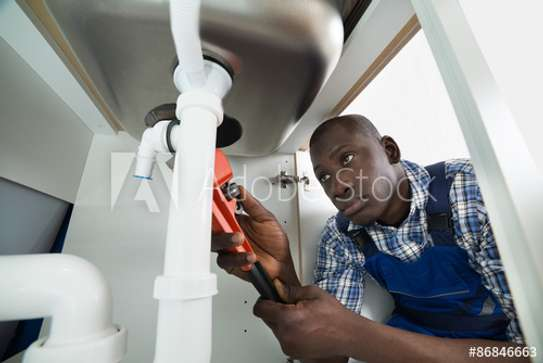Looking for experienced plumbers? We offer the best in terms of quality and skill. image 3