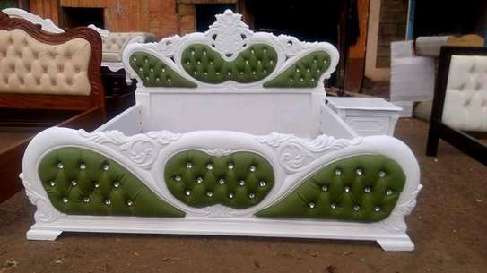 Green and white bed image 1
