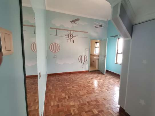 TASTEFULLY DESIGNED 3 BEDROOMED APARTMENT ALL ENSUITE WITH DSQ image 14