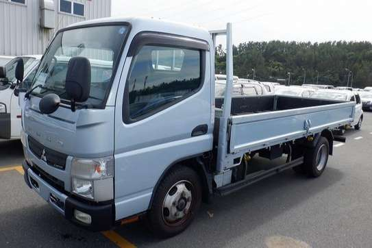 Mitsubishi Canter image 5