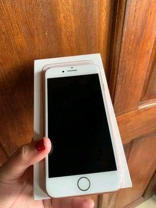 Apple Iphone 7 Gold ♧ 256 Gigabytes image 2
