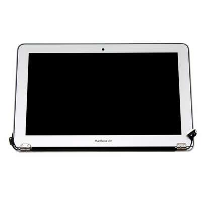 Apple Macbook Air/Pro  Screens Replacement image 2