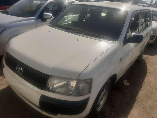 Toyota Probox image 2